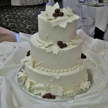 375-Leaves-wedding-cake
